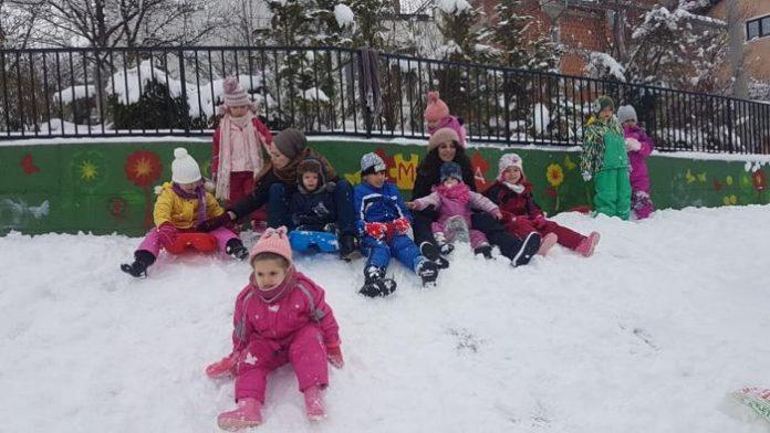 Zimske radosti u igraonici 'Emina' na Volijaku (FOTO)