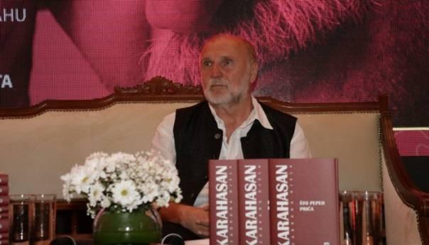 Promocija izabranih djela Dževada Karahasana u Jajcu