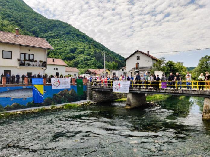 Obilježena 28. godišnjica stradanja Bošnjaka u Jezeru kod Jajca