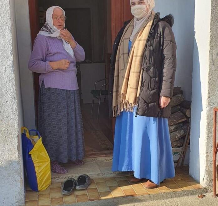 Omladina sa imamima Medzlisa Jajce posjetila sehidske porodice